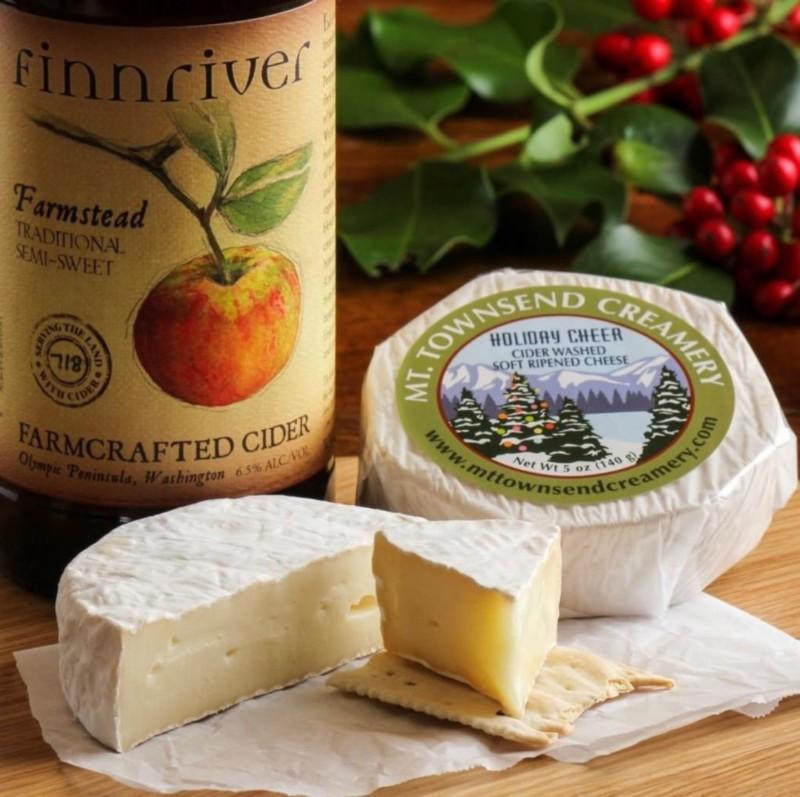 Holiday Cheer Cheese Pairing
